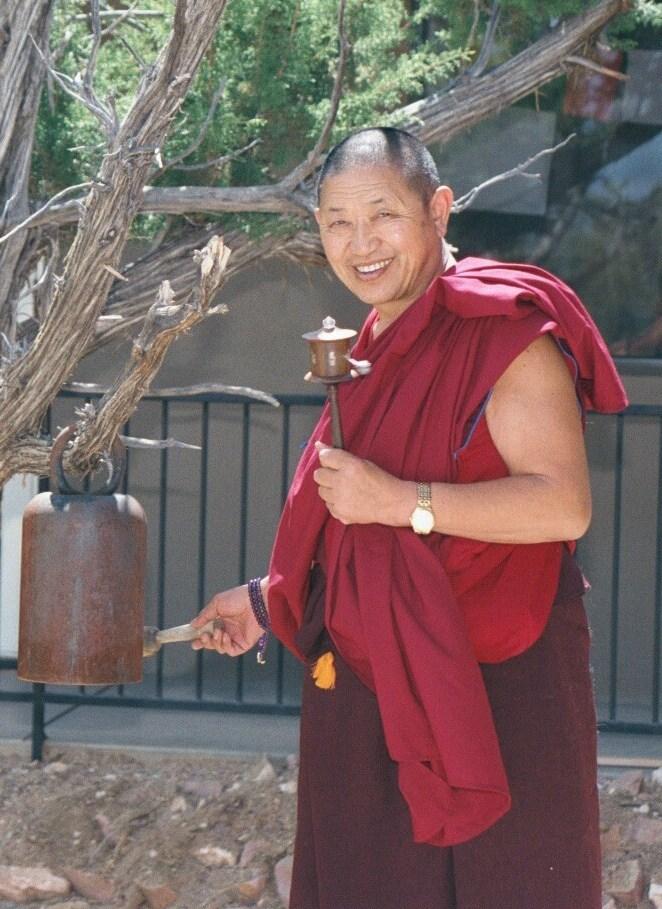 Причина всех страданий – желание личного счастья. Совершенными буддами становятся вследствие сильно развитого альтруизма.